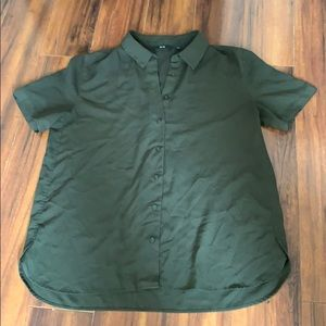 Uniqlo Olive Green Short Sleeve Button Up